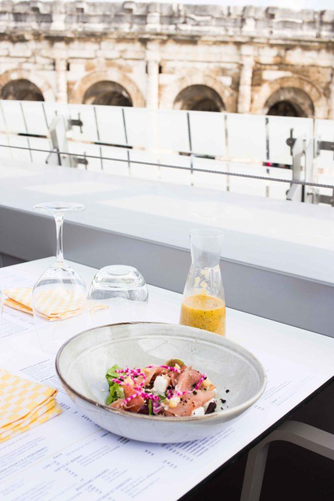 """Une réponse à la question : """"Où manger à Nîmes""""?"""